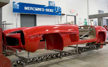 Oldtimer restoration center mercedes benz 300 sl service for Mercedes benz restoration center
